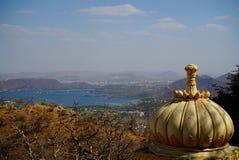 在山湖的顶视图 库存图片