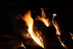 在山的一个营火 免版税图库摄影