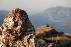 在山的一块石头 免版税库存图片