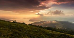 在山的五颜六色的风景,美国旅行,秀丽世界 免版税图库摄影