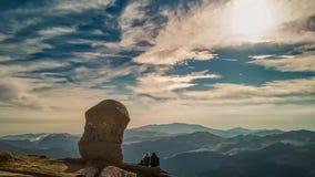 在山的令人敬畏的阳光 库存图片