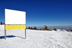 在山的冬天假期 库存图片