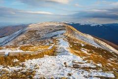 在山的冬天风景,波兰 库存图片