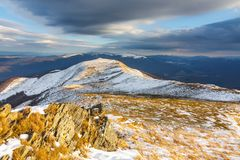 在山的冬天风景,波兰 免版税图库摄影