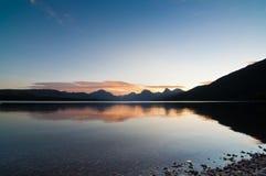 在山的冰川国家公园日出 库存照片