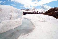 在山的冰河冰 库存图片