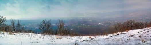 在山的冷的天 库存图片