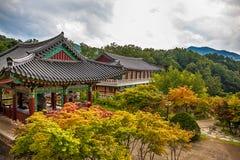 在山的和尚寺庙在韩国 库存照片