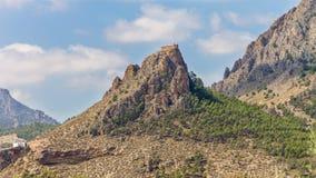 在山的城堡 免版税库存照片