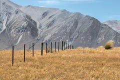 在山的大风天 库存图片
