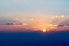 在山的天堂般的日出 库存照片