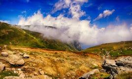 在山的小径- Bucegi -罗马尼亚 图库摄影