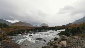在山的小河, skye -苏格兰,英国小岛  影视素材