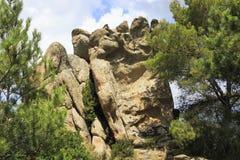 在山的巨大的石脚 库存照片