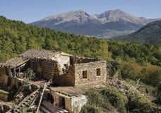 在山的废墟 免版税库存照片