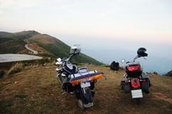 在山的摩托车砍刀在北碧泰国 库存图片