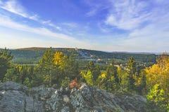 在山的日落在秋天 库存图片