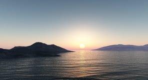 在山的日落由海 免版税库存照片