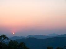 在山的日落, Doi钨,清莱,泰国 库存照片