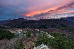 在山的日落 免版税图库摄影