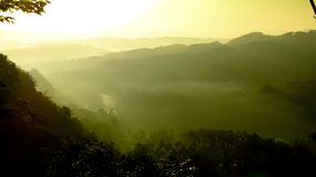 在山的早晨在打横 免版税图库摄影