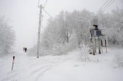 在山的明亮的冬日 免版税库存照片
