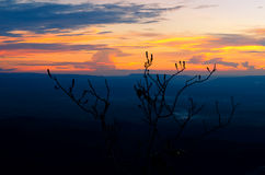 在山的暮色光 在泰国 库存照片