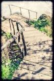 在山的木台阶小径 免版税库存照片
