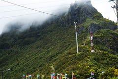 在山的村庄大量在马德拉岛的海岛的北部 免版税库存照片