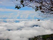 在山的海云彩 免版税图库摄影