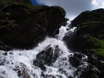 在山的瀑布,南蒂罗尔,意大利欧洲 库存照片