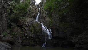 在山的瀑布 影视素材