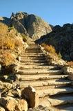 在山的石台阶 免版税库存照片