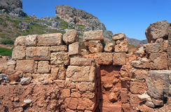 在山的石头废墟 图库摄影