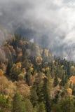 在山的秋天天 库存图片