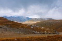 在山的秋天 库存照片
