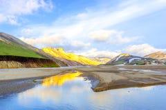 在山的美丽如画的日出 Landmannalaugar Fjallabak自然保护 冰岛 图库摄影