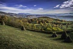 在山的美好的横向 日落 免版税库存照片