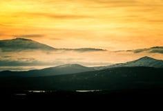 在山的美好,五颜六色的秋天日出在挪威 图库摄影