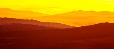 在山的美好,五颜六色的秋天日出在挪威 库存照片