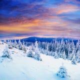 在山的美妙的日落 免版税库存图片