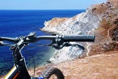 在山的自行车 免版税图库摄影