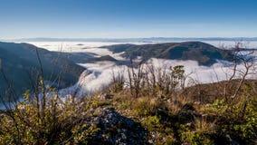 在山的薄雾 影视素材