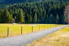 在山的路,巴伐利亚 免版税库存图片