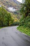 在山的路 库存照片