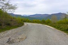 在山的路 免版税库存图片