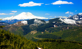 在山的远足 库存图片