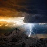 在山的闪电 免版税图库摄影