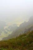 在山的雾 免版税库存照片