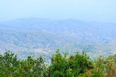 在山的风景与copyspace 图库摄影